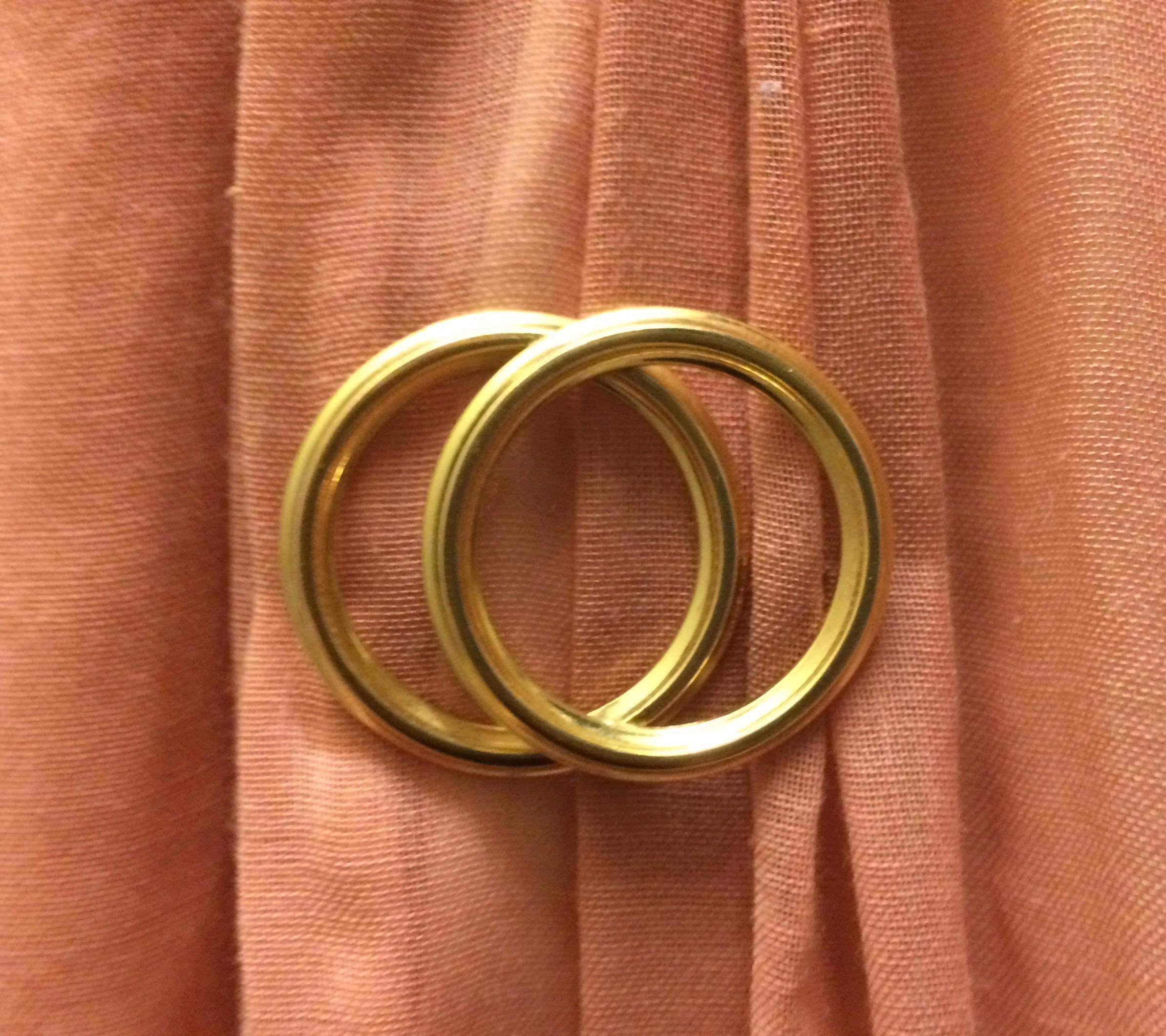 interlocking-rings-brooch